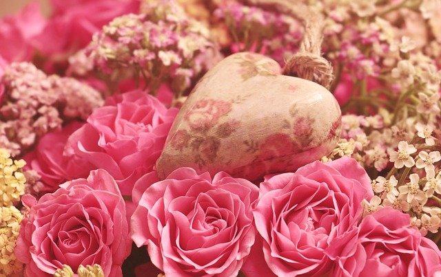 Happy Valentines Day in Hindi